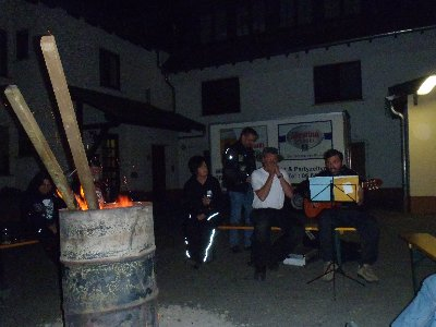 Musik an der Feuertonne